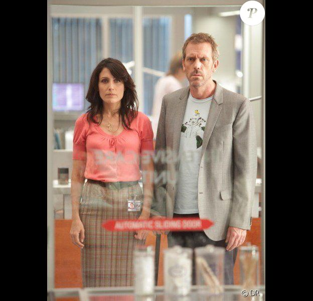 Lisa Edelstein et Hugh Laurie dans Dr. House.
