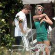 La ravissante Alex Curran, 28 ans, épouse du footballeur vedette Steven Gerrard, a annoncé sa troisième grossesse dans l'édition du 17 mai du magazine OK!, dont elle est chroniqueuse ! (photo : vacances en Floride en 2008)