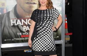 Les jolies Alyssa Milano enceinte et Kristen Bell entourent Bradley Cooper !