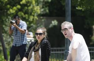 Jessica Alba bien ronde et Eric Dane, le Dr Glamour : balade avec leurs filles !