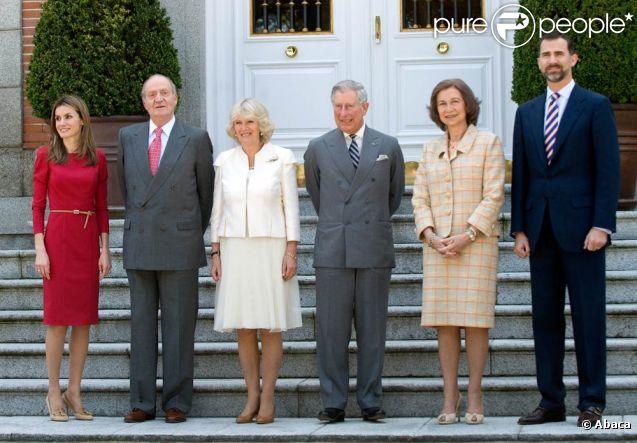 Le roi Juan Carlos d'Espagne lors de la réception du prince Charles le 31 mars 2011