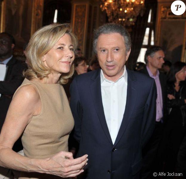 Claire Chazal et Michel Drucker lors du lancement de l'opération 2000 femmes pour 2012, à Paris, le 31 mai 2011.