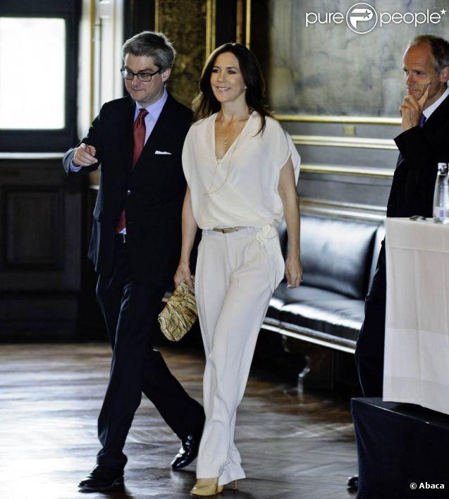 La princesse Mary de Danemark prenait part, le 7 juin 2011, à une conférence commémorant les 60 ans de la Convention de Genève.