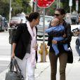 Miranda Kerr entourée de sa maman et de  son adorable fils Flynn ont passé un joli moment en famille dans les rues de Los Angeles en mai 2011