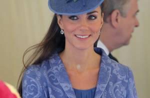 Kate Middleton : La duchesse amoureuse recycle ses tenues royales