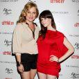 Jessica Capshaw et Sasha Spielberg lors de l'avant-première du film The Art of Getting By à New York le 13 juin 2011