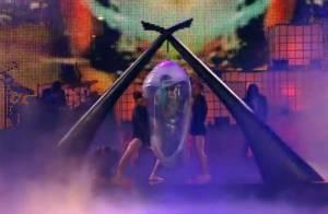 Lady Gaga aux Much Music Awards : Elle refait le coup du cocon !