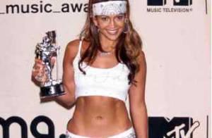Le cancre de la mode : on a retrouvé les pires looks de Jennifer Lopez