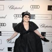 Beth Ditto sort son décolleté généreux et son charisme fou pour Elton John