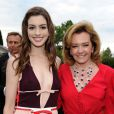 Anne Hathaway et Caroline Gruosi-Scheufele lors du 13e White Tie & Tiara Ball, en partenariat avec Chopard, au profit de la fondation Elton John Aids