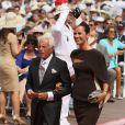 Giorgio Armani, bien accompagné, arrive à la cérémonie religieuse du mariage du prince Albert et de Charlene Wittstock, à Monaco, le 2 juillet 2011