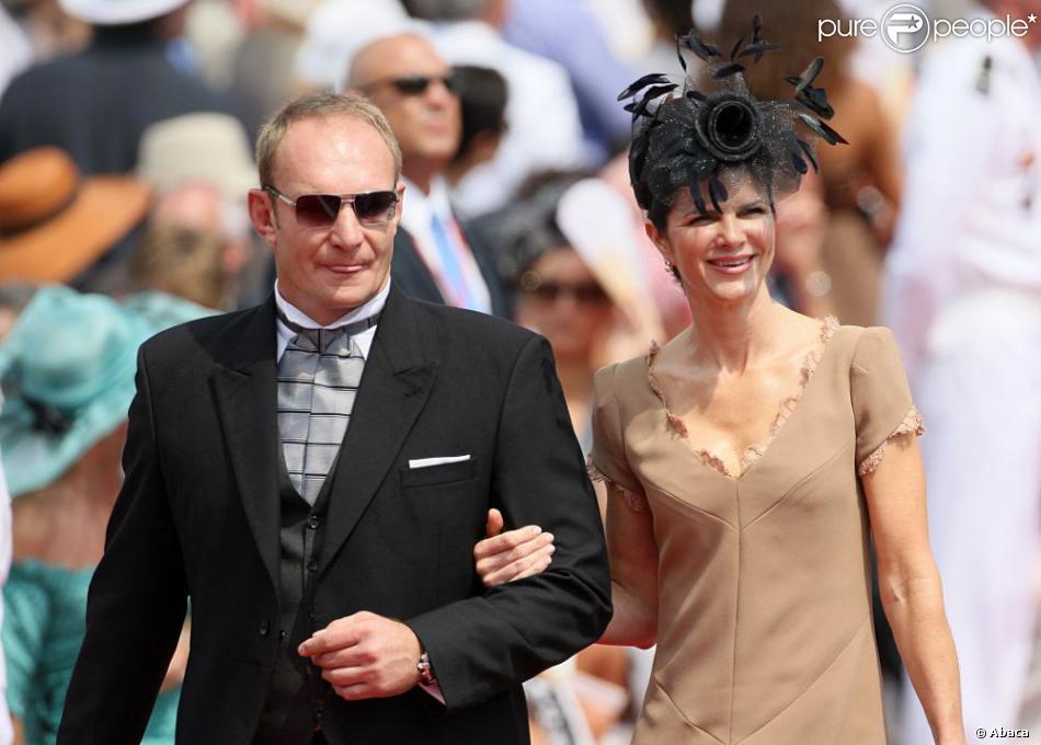 francois pienaar et sa femme nerine arrivent la c r monie religieuse du mariage du prince. Black Bedroom Furniture Sets. Home Design Ideas
