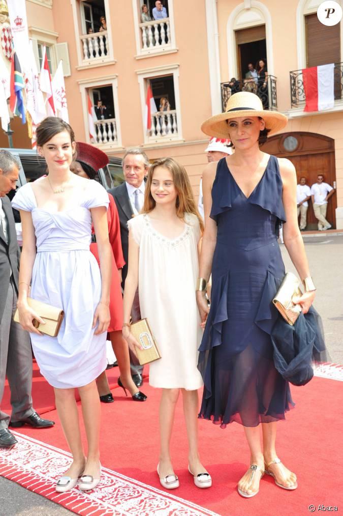 In s de la fressange accompagn e de ses filles nine et violette arrivent dans la cour d 39 honneur - Ines de la fressange filles ...