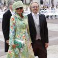 Umberto Tozzi et sa compagne arrivent dans la cour d'honneur du Palais princier où se déroule la cérémonie de mariage du Prince Albert avec Charlene Wittstock, le 2 juillet 2011 à Monaco