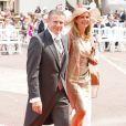 Le perchiste Sergey Bubka et Lilia Tutunik arrivent dans la cour d'honneur du Palais princier où se déroule la cérémonie de mariage du Prince Albert avec Charlene Wittstock, le 2 juillet 2011 à Monaco