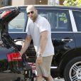 Jason Statham fait des courses le 4 juillet 2011 à Malibu