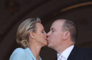 Albert et Charlene, mariage en danger: de baisers biaisés en lune de miel agitée