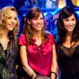 Hilary Swank entourée de Lisa Kudrow et Gina Gershon dans P.S. I Love You