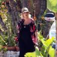 Tori Spelling très enceinte fait le marché avec son fils Liam, à Malibu le 10 juillet 2011