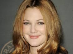 Drew Barrymore poursuit un malfrat dans Los Angeles... et ce n'est pas du cinéma !