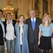 Claude Rich, entouré de toutes les femmes de sa vie, a bien du Mérite