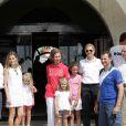 Sacré équipage royal : Letizia et Felipe avec leurs filles Leonor et Sofia, la reine Sofia, l'infante Cristina et sa fille Irene ainsi que l'infante Victoria, fille de l'infante Elena, le 2 août 2011 à Majorque.   Absente la veille, la princesse Letizia d'Espagne était bien avec les royaux espagnols à Majorque le 2 août 2011, pour encourager comme il se doit, avec ses filles Leonor et Sofia, son mari et leur papa le prince Felip, compétiteur engagé dans la 30e Copa del Rey à bord de l'Hispano.
