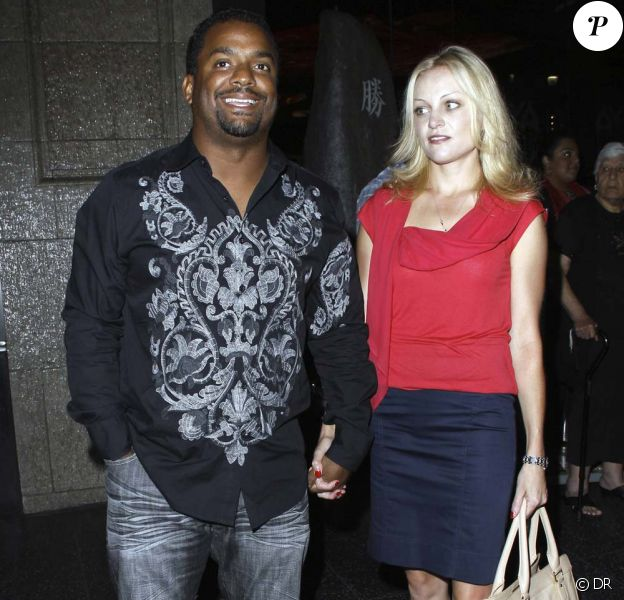 Alfonso Ribeiro et une charmante inconnue à la sortie d'un restaurant japonais de Los Angeles, le 8 août 2011.