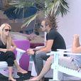 Sabrina discute avec Geof et Geoffrey dans Secret Story 5