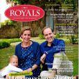 Couverture du magazine Royals dans lequel le prince Jean de France et son épouse Philomena confient leur nouvel heureux événement. Ils posent avec leur fils aîné Gaston.