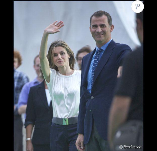 Letizia et Felipe d'Espagne lors de la veillée du pape Benoît XVI à Madrid pour les Journées Mondiales de la Jeunesse le 20 août 2011