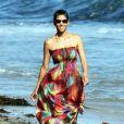 Halle Berry s'éclate avec Nahla sur la plage à Malibu. Le 27 août 2011