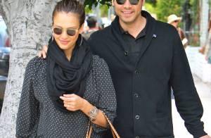 Jessica Alba : Après la naissance de bébé, elle pouponne son mari