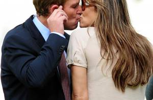 Liz Hurley : Un tendre baiser avec le nouvel homme de sa vie... Mariage en vue ?