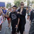 Rihanna passe un très bon moment avec son petit frère Rajad Fenty à Los Angeles le 3 septembre 2011