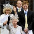 La famille royale au grand complet pour Peter Phillips et Antumn Kelly : ici la reine Elizabeth
