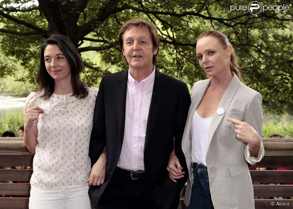 paul mccartney entour de ses filles mary et stella londres le 15 juin 2009 purepeople. Black Bedroom Furniture Sets. Home Design Ideas