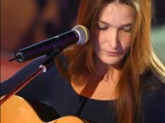 Carla Bruni-Sarkozy : Elle remet sa casquette de chanteuse plus tôt que prévu !
