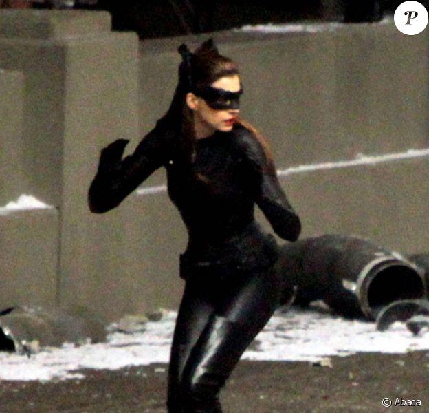 Anne Hathaway en Catwoman sur le tournage de The Dark Knight Rises à Los Angeles le 25 septembre 2011