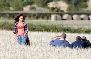 Rihanna : Terriblement sensuelle dans la campagne, elle provoque un scandale