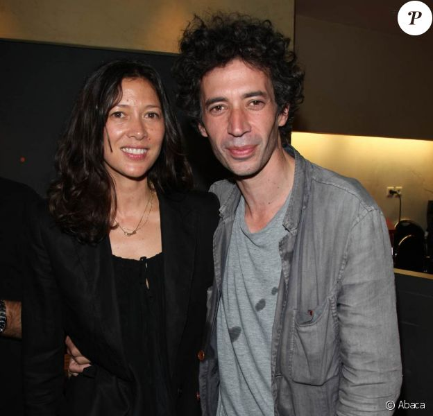 Eric Elmosnino et sa compagne Victoria à l'avant-première du Skylab, à Paris. Le 27 septembre 2011