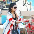 Vanessa Hudgens va faire ses courses en chaussons, mardi 27 septembre, à Los Angeles.