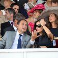 Eric Besson et son épouse Yasmine.   L'édition 2011 du Qatar Prix de l'Arc de Triomphe a vu le sacre inattendu de la pouliche allemande Danedream, auteure du nouveau record de l'épreuve. Un scénario explosif auquel célébrités et turfistes ont assisté à Longchamp.