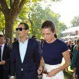 Charlotte Casiraghi et son chéri, Alex Dellal, lors de l'édition 2011 du Prix de l'Arc de Triomphe, dimanche 2 octobre, qui a vu le sacre inattendu de la pouliche allemande Danedream, auteure du nouveau record de l'épreuve.