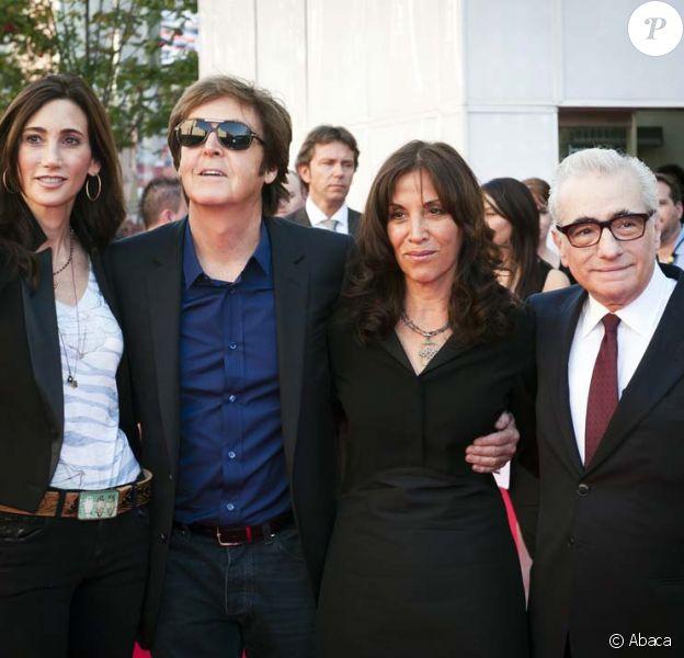 Nancy Shevell, Paul McCartney, Olivia Harrison et Martin Scorsese à l'avant-première de Living in the Material World : George Harrison, à Londres, le 2 octobre 2011.