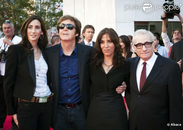 Nancy Shevell, Paul McCartney, Olivia Harrison et Martin Scorsese à l'avant-première de  Living in the Material World : George Harrison , à Londres, le 2 octobre 2011.