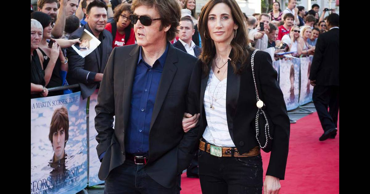 paul mccartney et nancy shevell l 39 avant premi re de living in the material world george. Black Bedroom Furniture Sets. Home Design Ideas