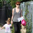 Michelle Monaghan et sa fille Willow à la sortie de la crèche, à Los Angeles, le 3 octobre 2011