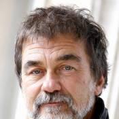 Olivier Marchal : Au bord des larmes, il défend avec force son pote en prison