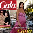 Carla Bruni-Sarkozy en couverture du magazine Gala. Elle arbore une robe rose estivale ! Eté 2011
