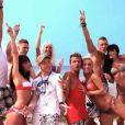 Toute l'équipe des Ch'tis à Ibiza à la plage !